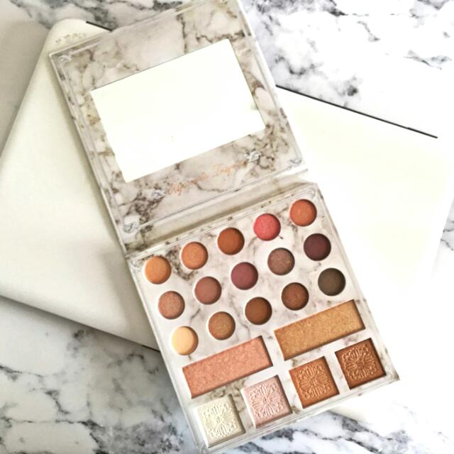💯Authentic CARLI BYBEL Deluxe Palette