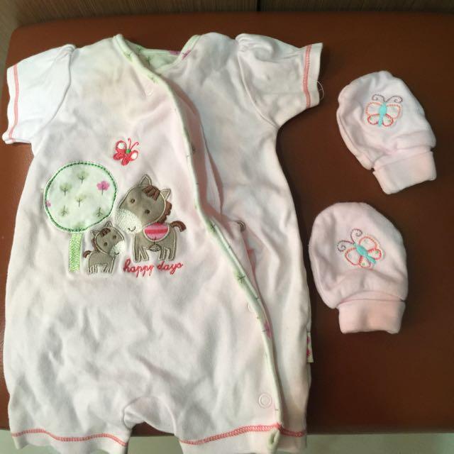 baju baby + sarung tangan