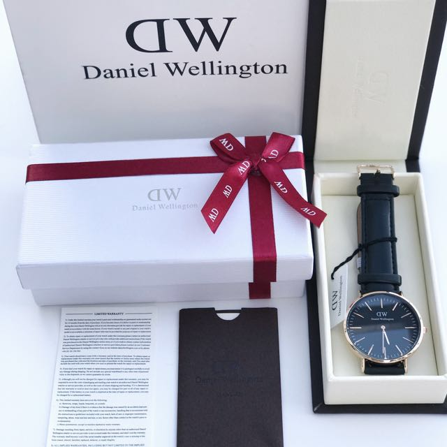 Daniel Wellington Black Face Watch