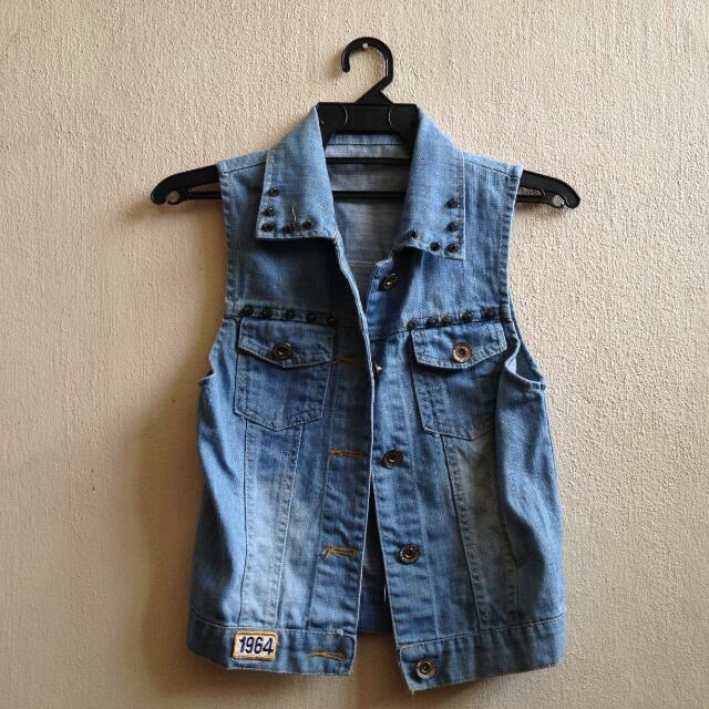 Denim Sleeveless Jean Vest Retro Vintage Punk Rock Cool Trendy Trending Studded Patch Jacket Hoodie Sweater Cardigan Jumper