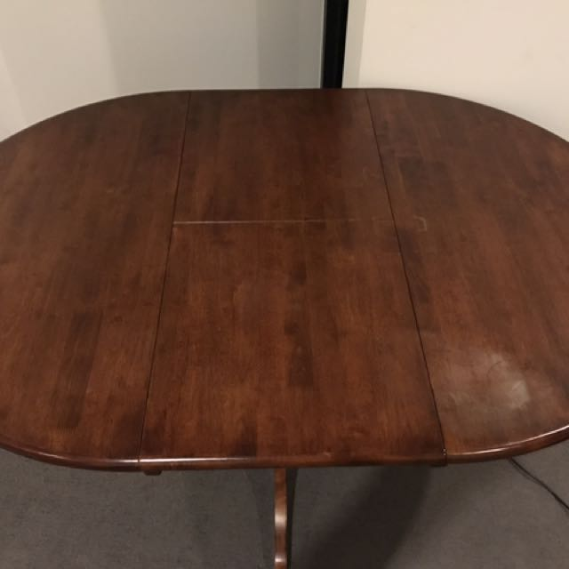 Extendable Dinning Table With 4 Chair