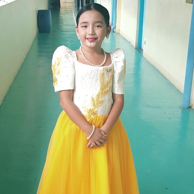 Filipiñana Costume