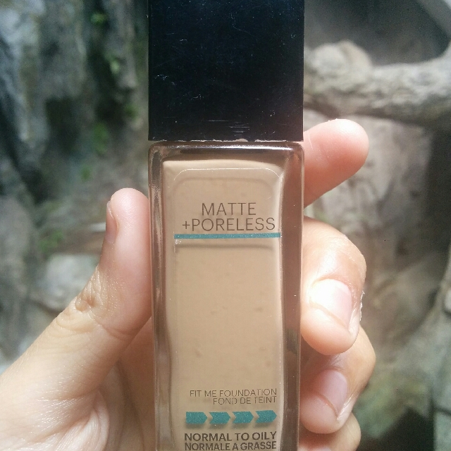 Fit Me Foundation Matte + Poreless 220 Natural Beige