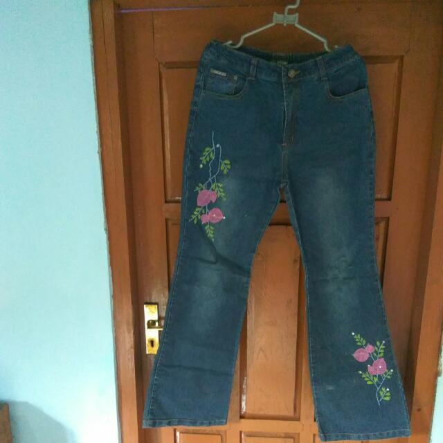 Jeans Cutbary . Jeans Bunga . Jeans Wanita .