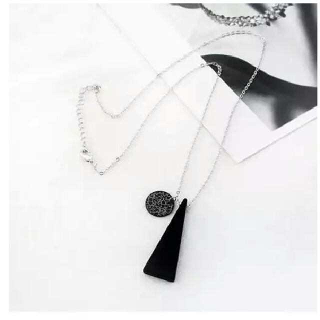 Kalung Fashion Segitita Black
