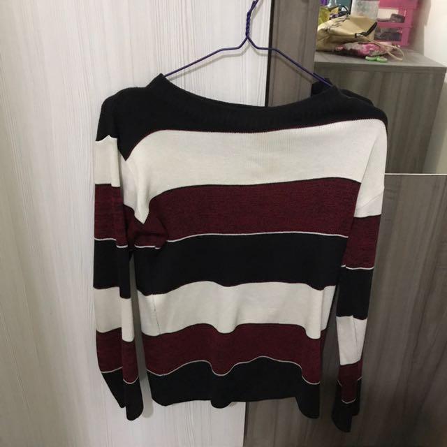 Knitt Sweater
