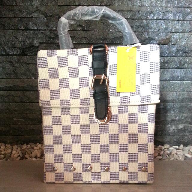 Limited Edition!!! LV Box Azure