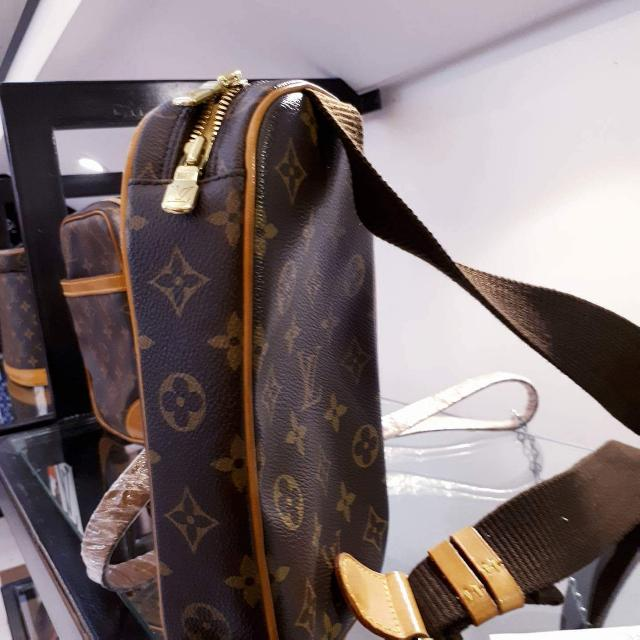 Preowned Authentic Louis Vuitton With Sling