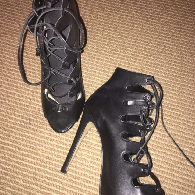 REAL LEATHER lace Up Heels