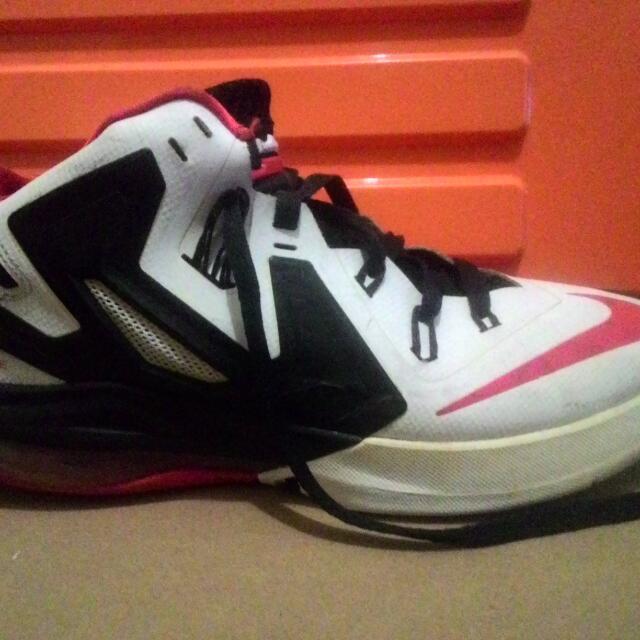 the latest a622c 39676 Sepatu Basket Nike Lebron 6 Ambassador, Men s Fashion, Men s Footwear on  Carousell