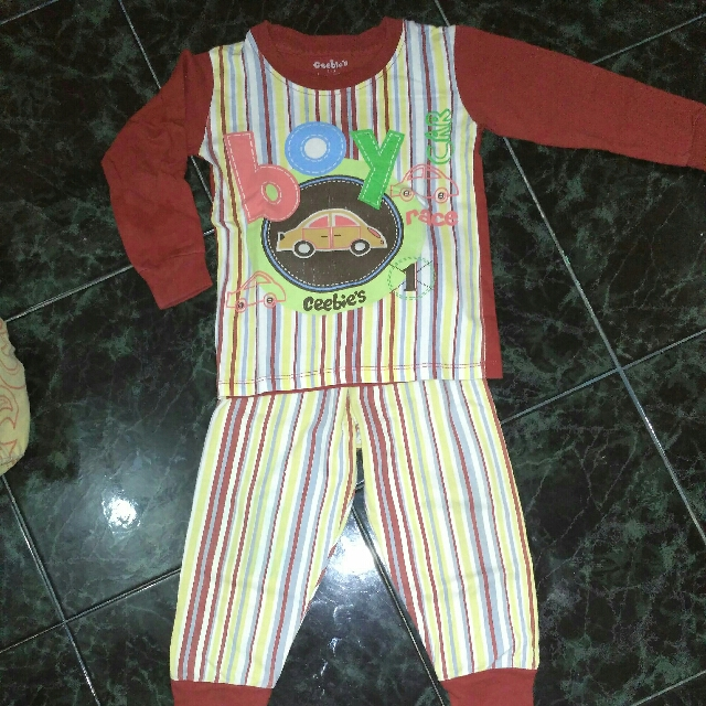 Setelan Baju Tidur Anak