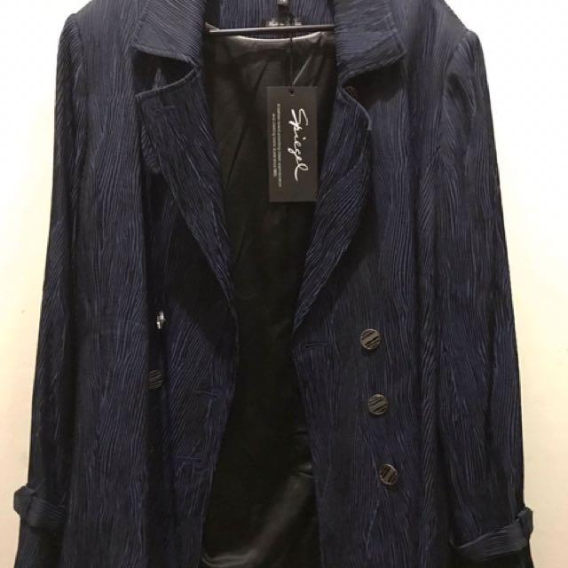 Spiegel Suit