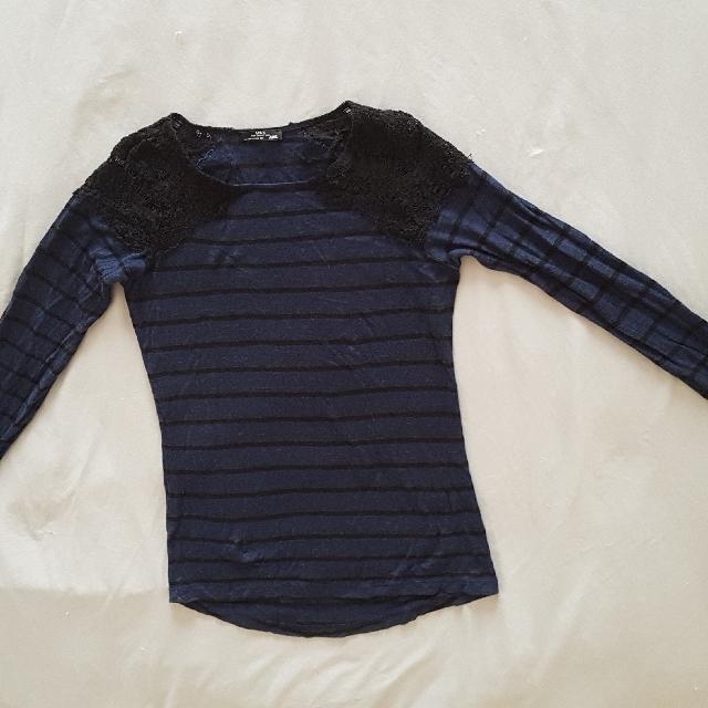 Zara Small Lace Long Sleeve Shirt
