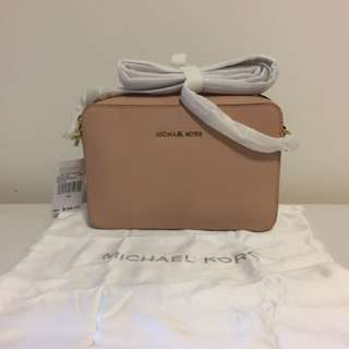 NWT Authentic Michael Kors Jet Set Large Saffiano Leather Crossbody - Oyster