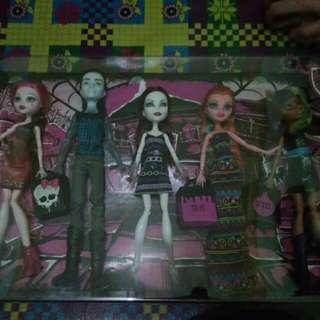Barbie Monster