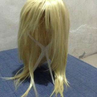 Blonde shaggy wig shoulder lenght