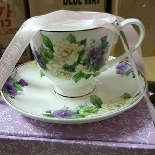 🚚 超美 美體小舖 花朵杯盤組