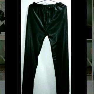 黑色 PU 人造皮褲