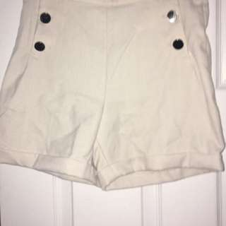 H&M Cream Shorts