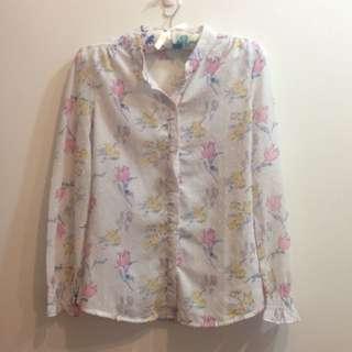 🚚 細緻花花白襯衫