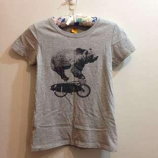 🚚 CACO設計T恤 大熊騎腳踏車