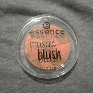 Essence Mosaic Blush