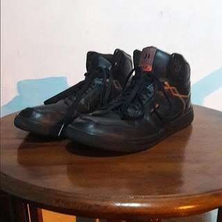 Black Shoes Precise Zeus