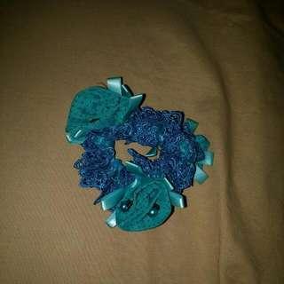 Ikat Rambut Biru Bunga