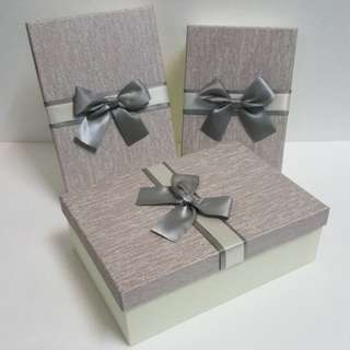 Gift Box, with Satin Ribbon detail ↪ Rectangle 🎁🎁  💱 (S) $8.90 to (L) $12.90 Each Piece