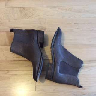 Arturo Chiang Brown Leather Booties Size 7