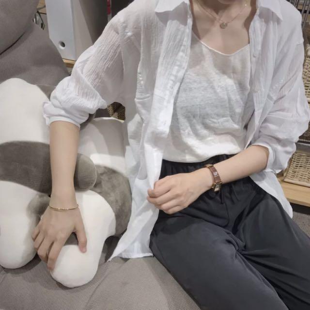 白色長袖棉襯衫