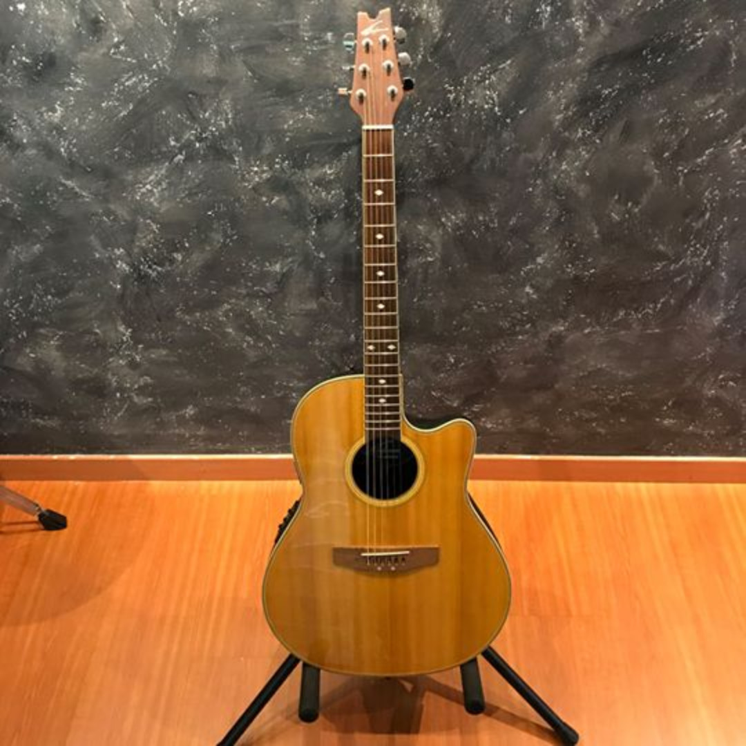 Applause by Ovation AE138 Acoustic Electric guitar