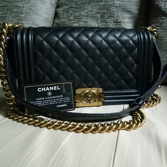 Auth. Chanel Boy Caviar Ghw