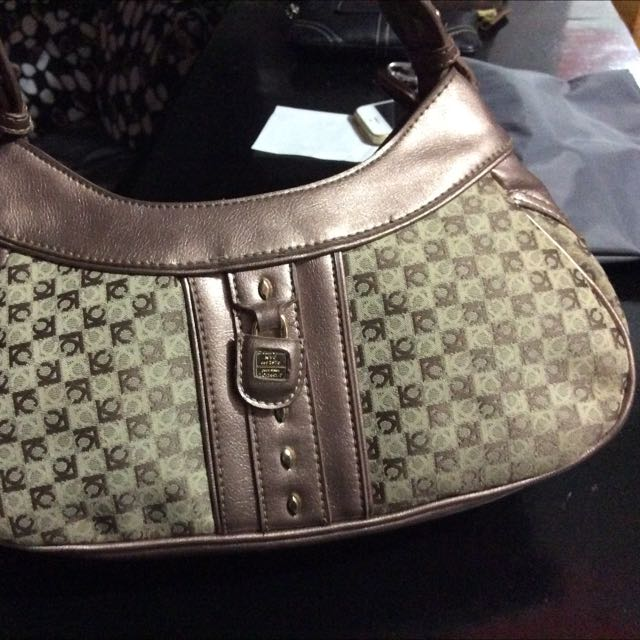 Authentic Liz Claiborne Hand /shoulder Bag