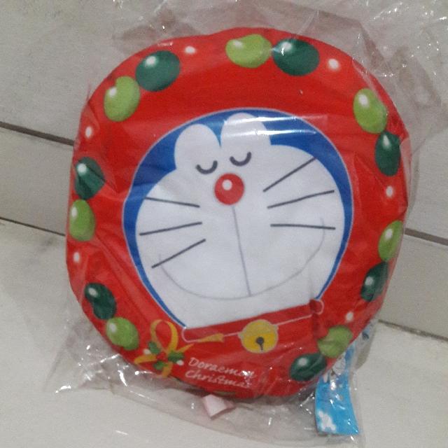 Bantal Doraemon Red Christmas