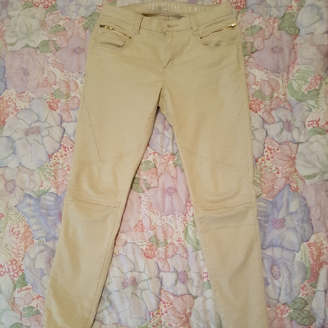 Cotton On Deluxe 7/8 Mid Rise Pants