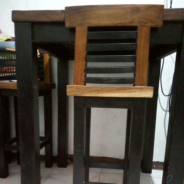 dining table with four chair