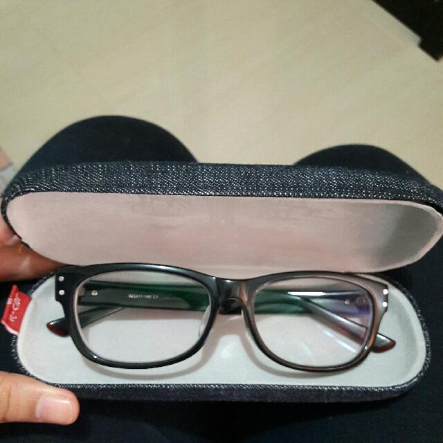 Kacamata Levis Minus 2.25