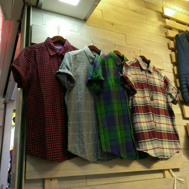 Kaos Dan Kemeja Distro. Amargo Clothing.