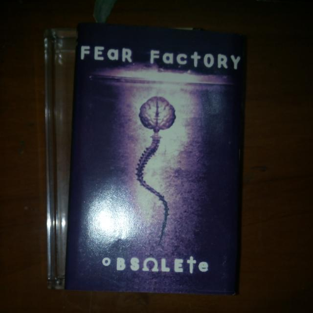 Kaset BAND FEaR FactORY