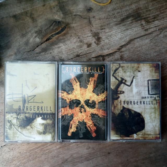 Kaset BUGERKILL Album BERKARAT,  DUA SISI,  BEYOND COMA AND DESPAIR