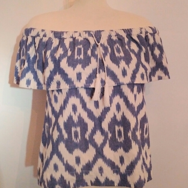 Madewell Ikat off the shoulder blouse - sz Medium