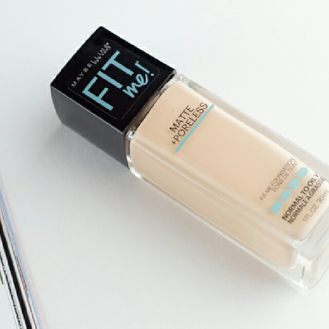 Maybelline Fit Me Matte + Poreless Foundation in 120 Classic Ivory