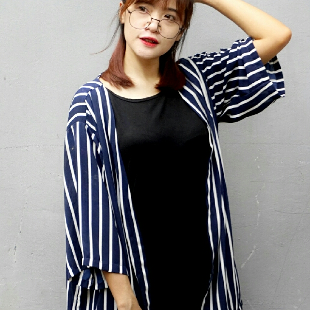 NAVY STRIP LOOSE CARDIGAN
