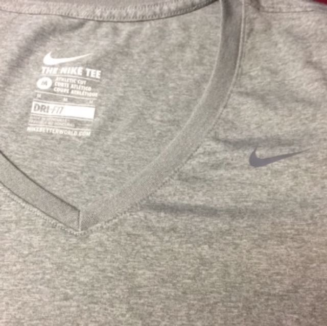 nike woman's fitness top