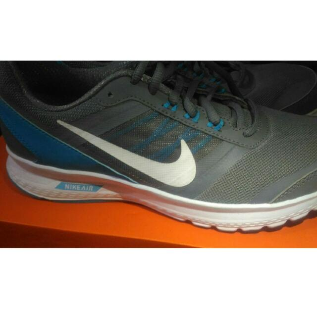 (Negotiable) Original Nike Women's Shoes Size 9