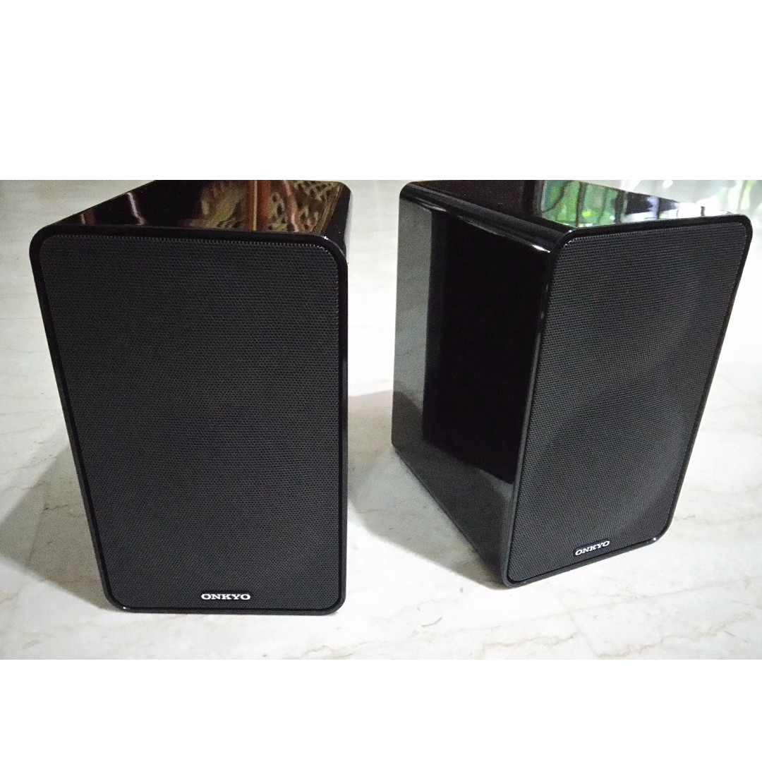 Onkyo Bookshelf Speaker System Electronics Audio On Carousell