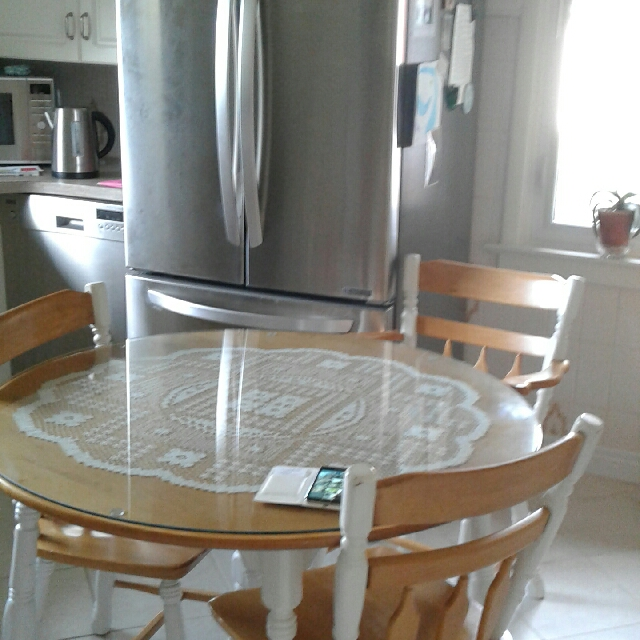 Rockstone Dinette Set With  3 Cairs  $100 Or Best Offer