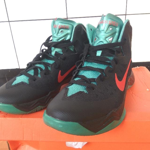 35f0986d066f2 Sepatu Basket Nike Hyperquickness