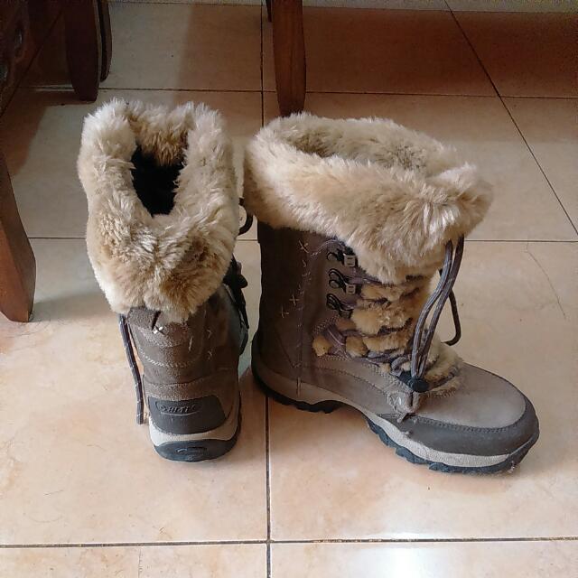 Sepatu Boot Hi-Tek Size 38